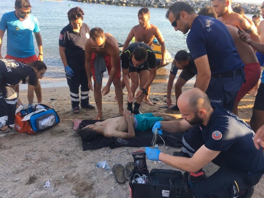 Denizde kaybolan genç, 1 buçuk saat sonra bulundu