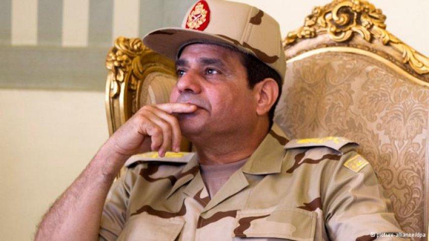 Sisi'den bir skandal