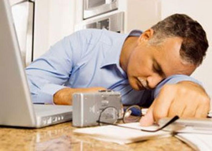 Düzensiz uyku hastalıkları tetikliyor