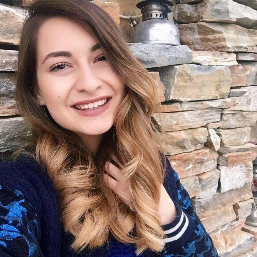 Esra öğretmen öğrencilerinin gözü önünde hayatını kaybetti