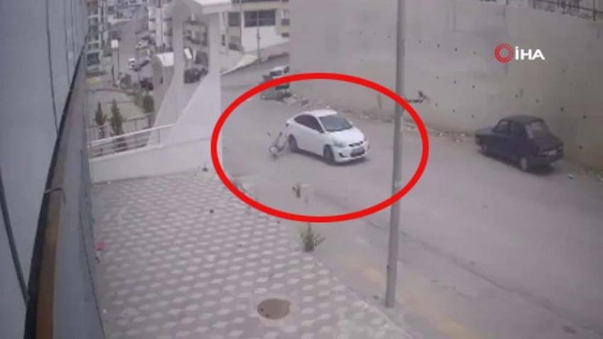 Başkent'te yayaya çarpan otomobil kaçtı