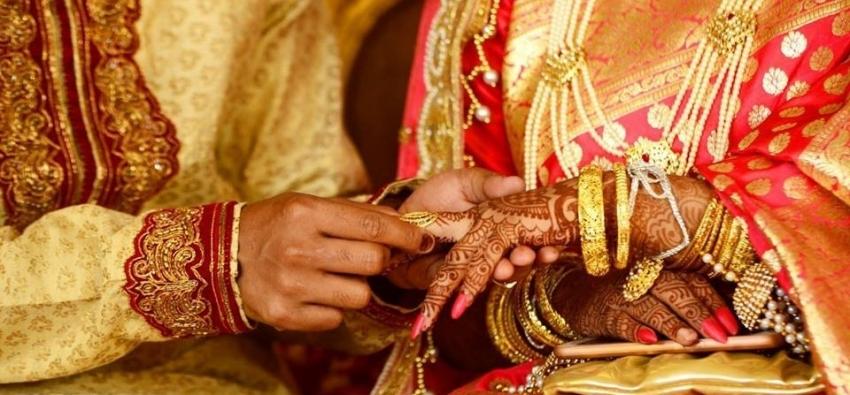 Bu köyde tek eşlilik yasak
