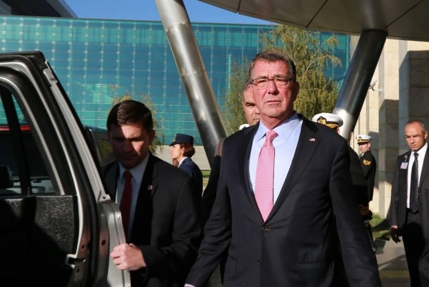 ABD Savunma Bakanı Carter'dan ziyaret
