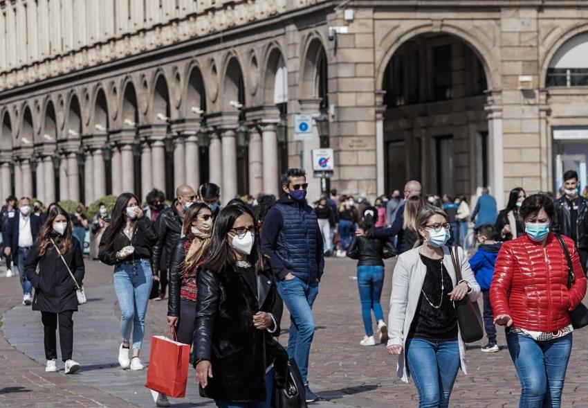 İtalya'da son 24 saatte Covid-19'a bağlı 310 can kaybı