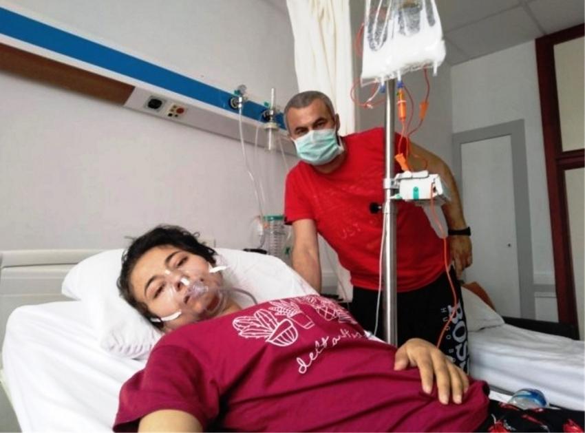 Babasıyla ilik bekleyen Ebru'dan bağış çağrısı