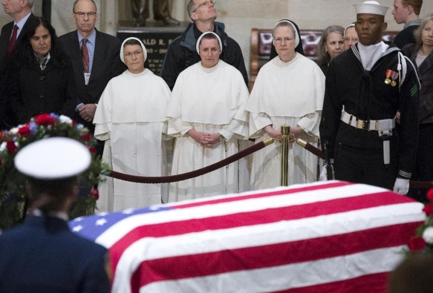 Baba Bush'un cenaze töreni başladı