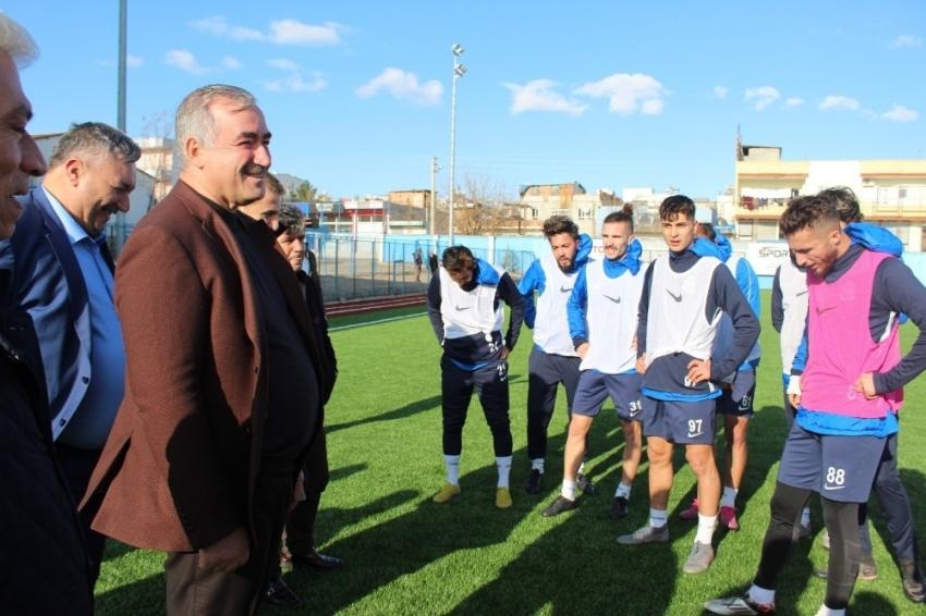 Başkan İbrahim Yusuf Turanlı, sporcularla bir araya geldi