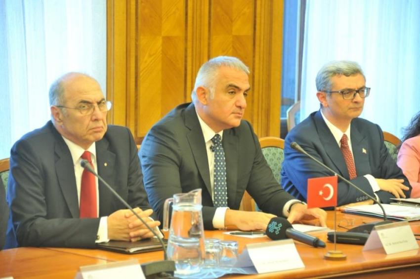 Türkiye ile Çekya arasında işbirliği mutabakatı imzalandı