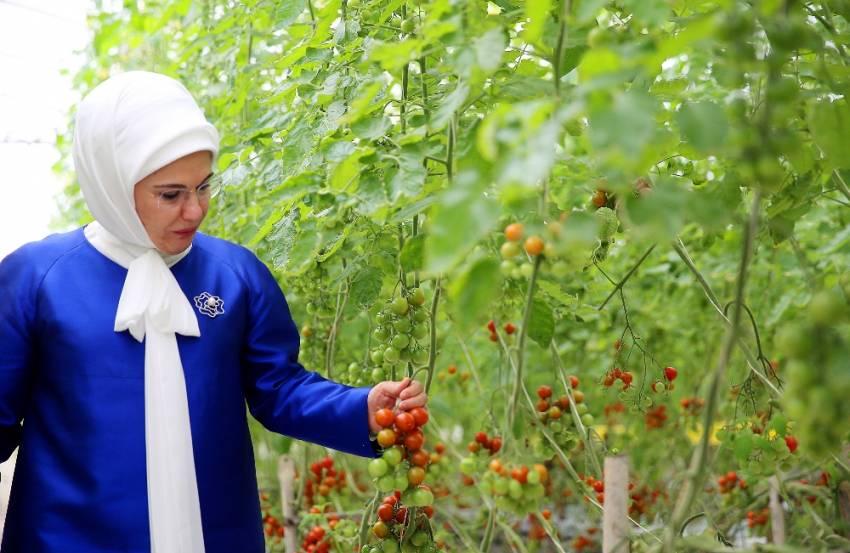 Emine Erdoğan Bahreyn'de yaşam merkezini ziyaret etti