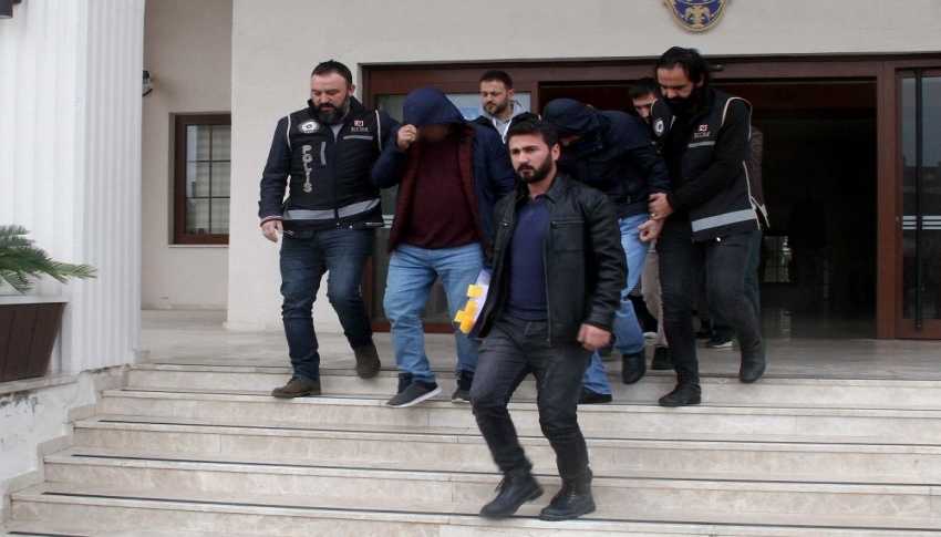 Polis memuru fuhuş operasyonunda tutuklandı