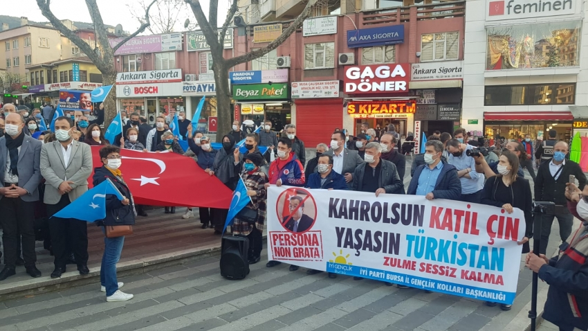 İYİ Parti Bursa, Çin'i protesto etti
