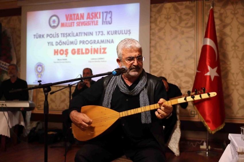 Esat Kabaklı'dan sanatçıların ziyaretini eleştirenlere sert cevap