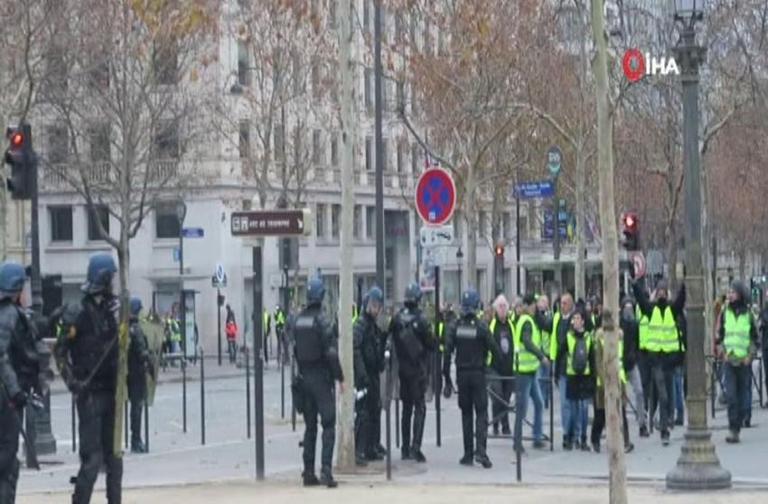 Fransa akaryakıt zamlarını askıya aldı