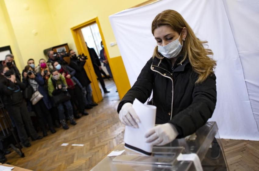 Bulgaristan genel seçimler için sandık başında