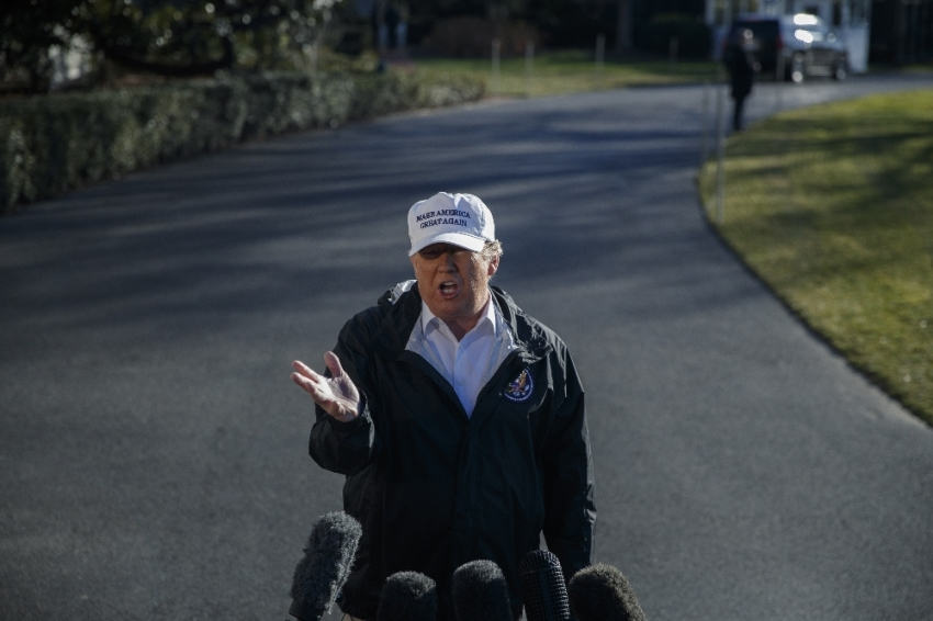 Trump Meksika duvarında ısrarcı