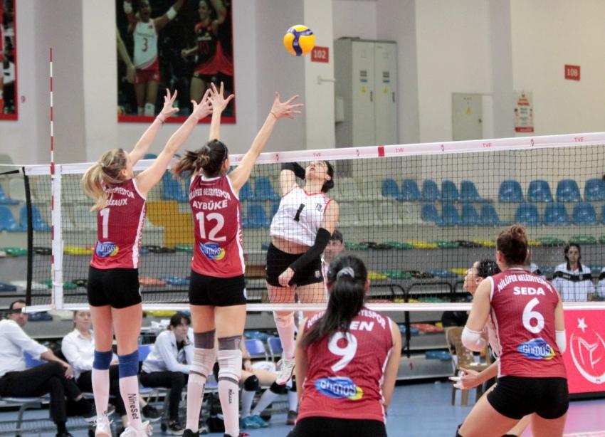 Nilüfer Belediyesi Play-Off'ta 3-0