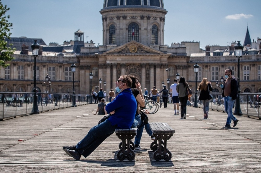 Fransa'da son 24 saatte korona virüsten...