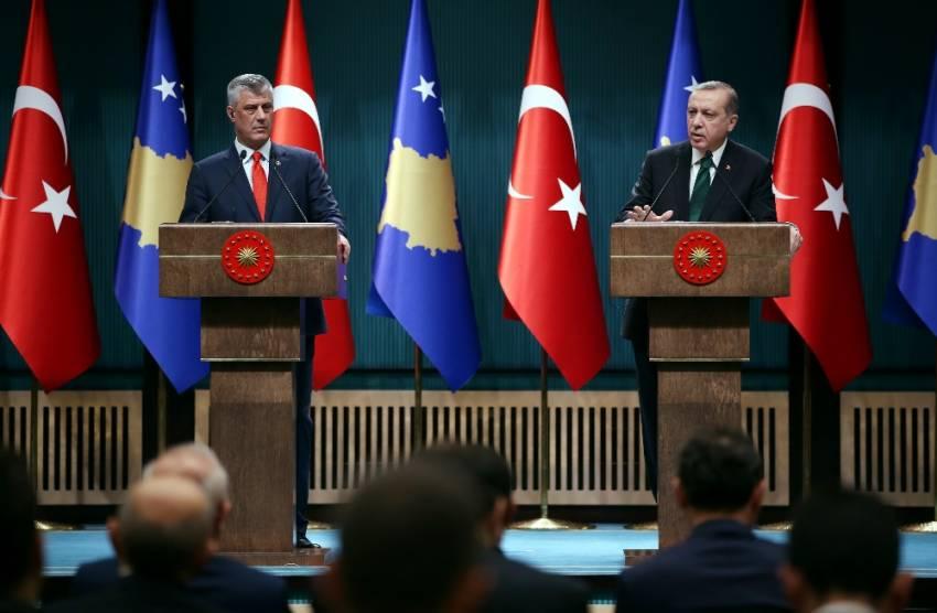 Erdoğan'dan Kosovalı gazeteciye FETÖ cevabı