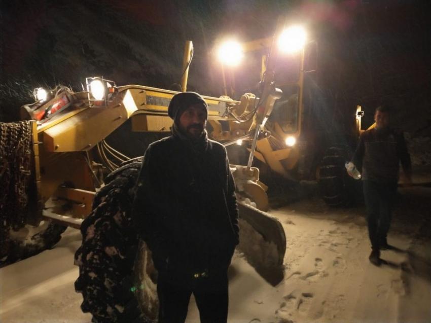 İnegöl'de mahsur kalan vatandaşları belediye ekipleri kurtardı