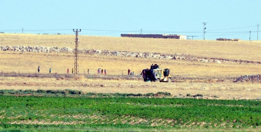 'YPG Arap köyünü boşalttı' mı ?