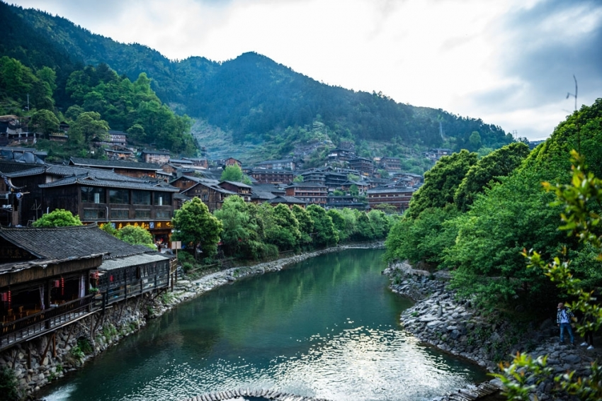 Doğa harikası köyünde balık avlama festivali