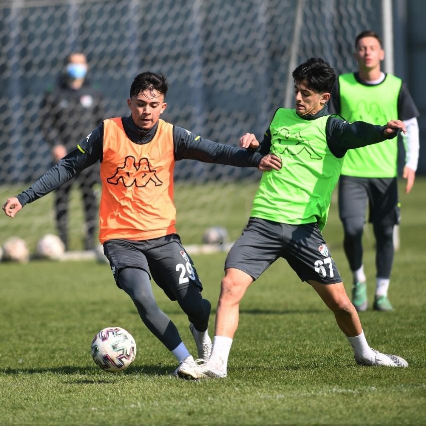 Bursaspor'da Altay maçı hazırlıkları yarın başlayacak