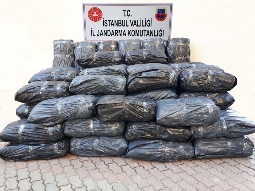 Jandarma operasyonunda 650 kilo uyuşturucu ele geçirildi
