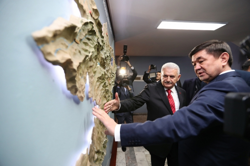 Yıldırım, Kırgızistan Başbakanı Abulgaziyev ile görüştü