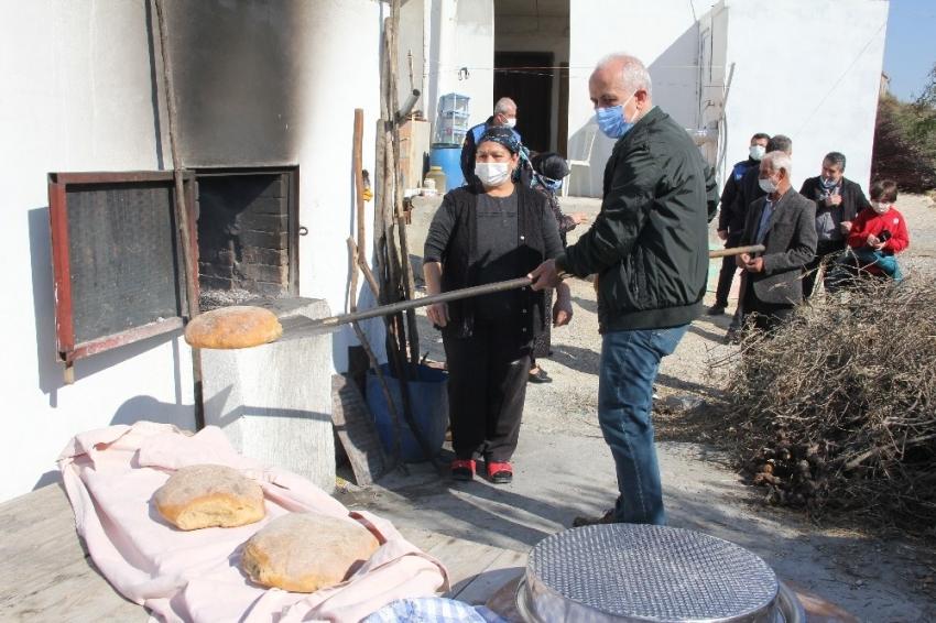 Girit Türklerinin 120 yıllık ekşi mayalı ekmeği Türkiye'ye açılıyor