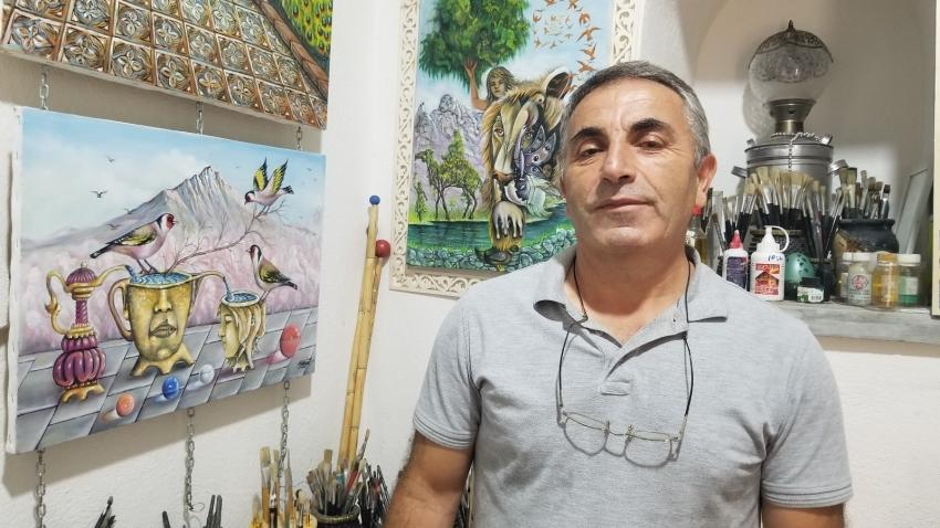 Polislikten ressamlığa uzanan sanat aşkı