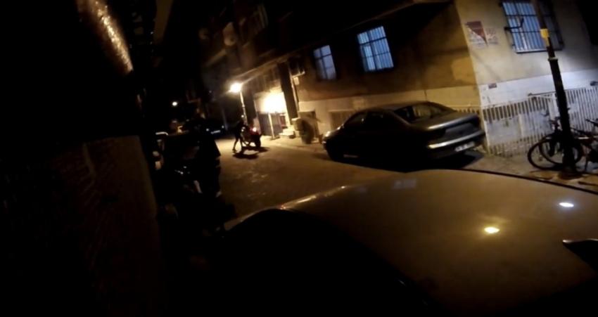 Motosiklet hırsızlarına tabancayla ateş edip peşlerinden kovaladılar