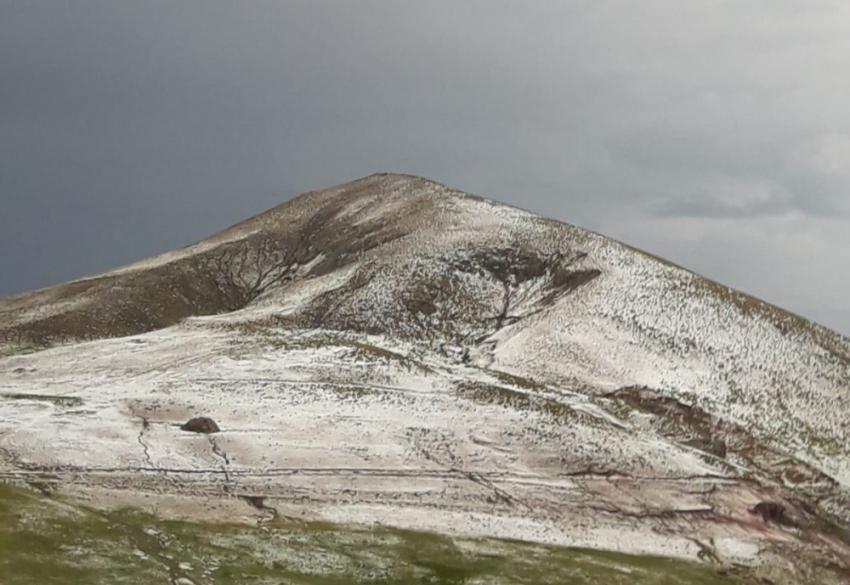 Erzurum'un yüksek kesimleri beyaza büründü