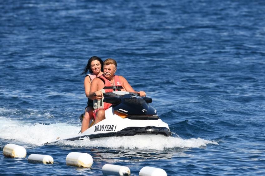 Nuri Alço Bodrum'da tatil yapıyor