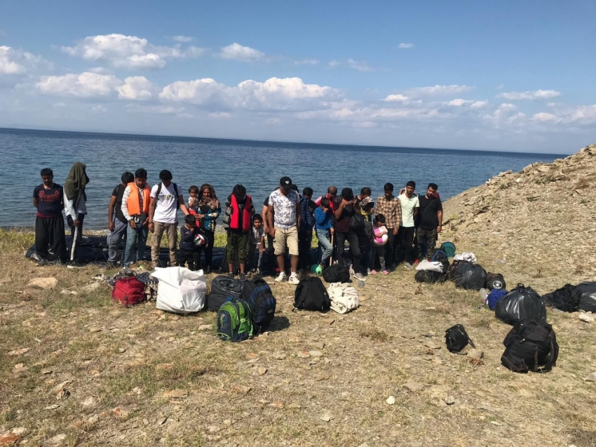 Çanakkale'de 29 mülteci yakalandı