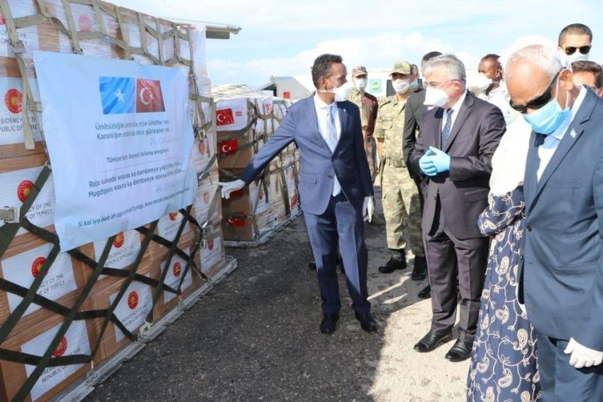 Türkiye'nin tıbbi yardım malzemesi desteği Somali'ye ulaştı
