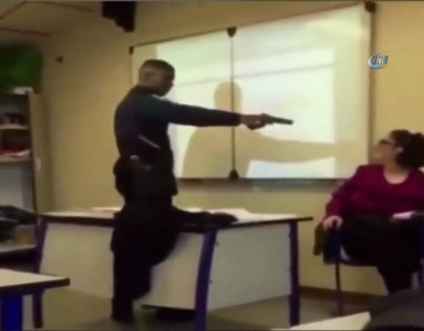 Kendisini yok yazan öğretmene silah çekti