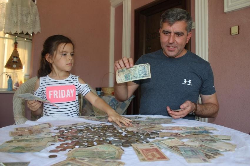Dededen kalma para koleksiyonuna gözü gibi bakıyor