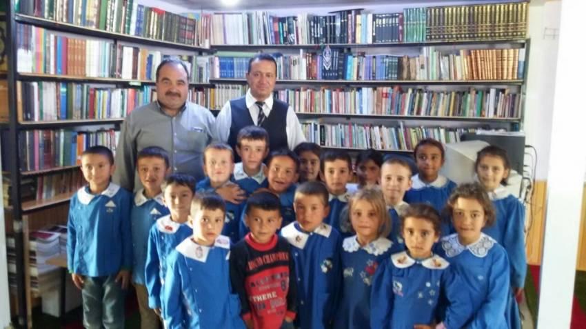 İmam dağ köyünde 3 bin kitaplık kütüphane kurdu
