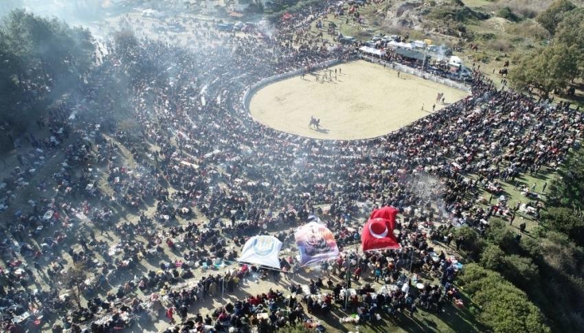 38. Uluslararası Devecilik Festivali'ne binlerce kişi akın etti