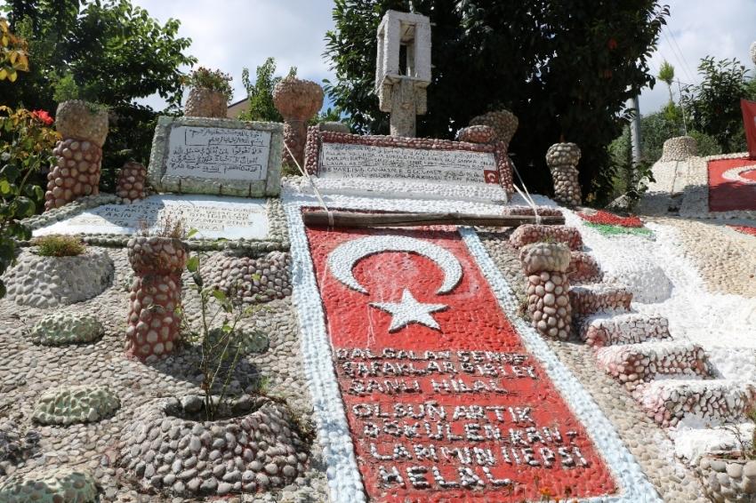 550 bin mozaik taşı ile anıt yaptı