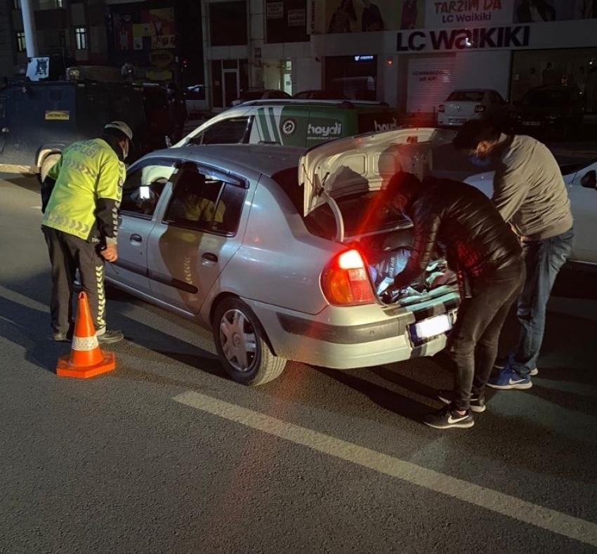 Kısıtlamaya uymayan 6 sürücüye cezai işlem uygulandı