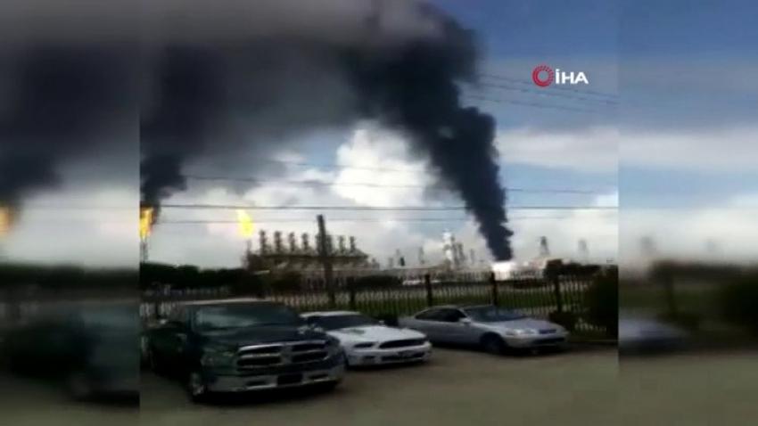 Teksas'ta rafine yangını