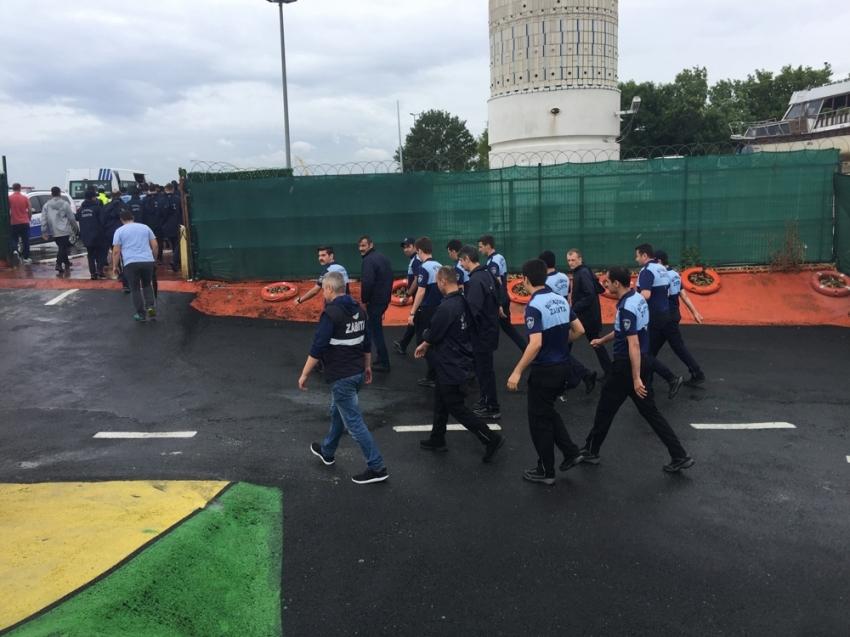 İBB ekipleri Genç Denizciler Dayanışma Derneği'ni tahliye etti