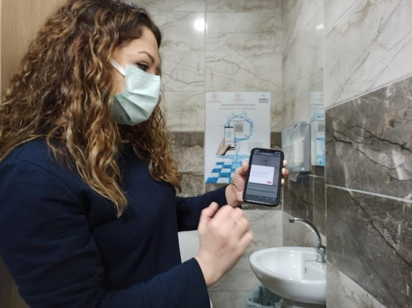 Hastane'de tuvaletlerine kare kodu uygulaması