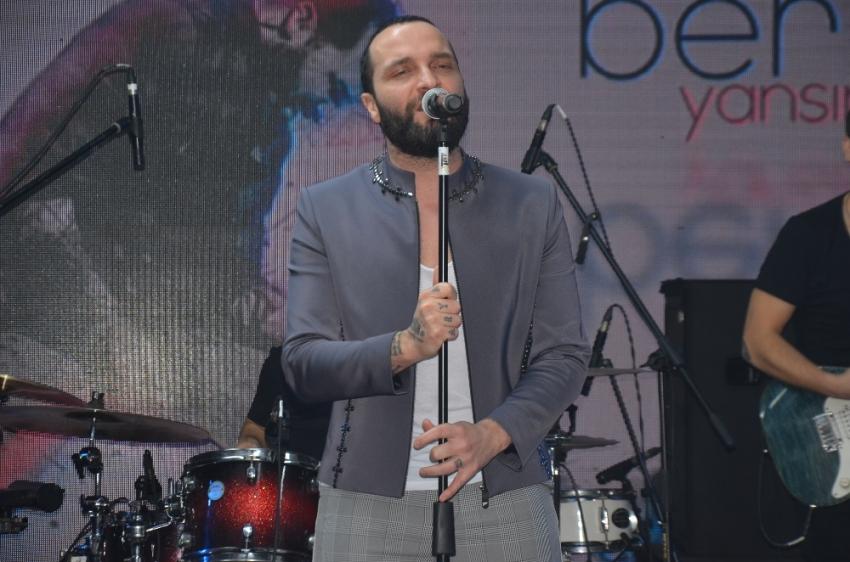 Şarkıcı Berkay'ın doktorundan açıklama