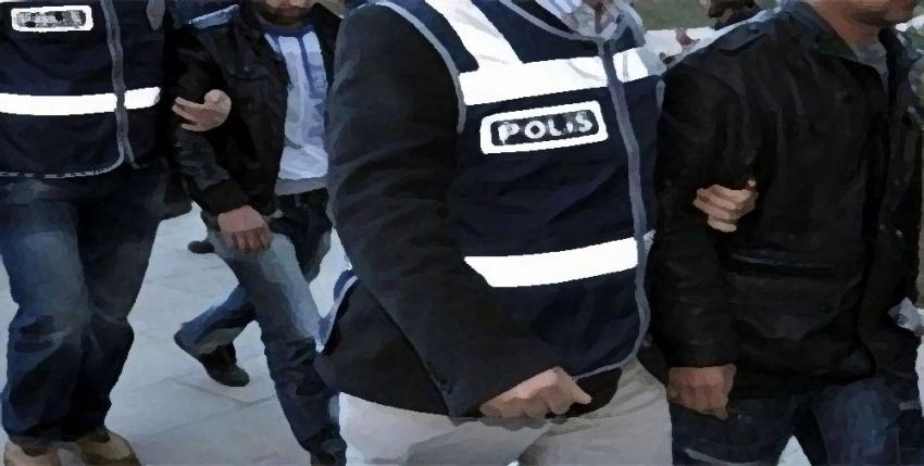 Bursa'da ikisi katip 9 kişiye FETÖ gözaltısı
