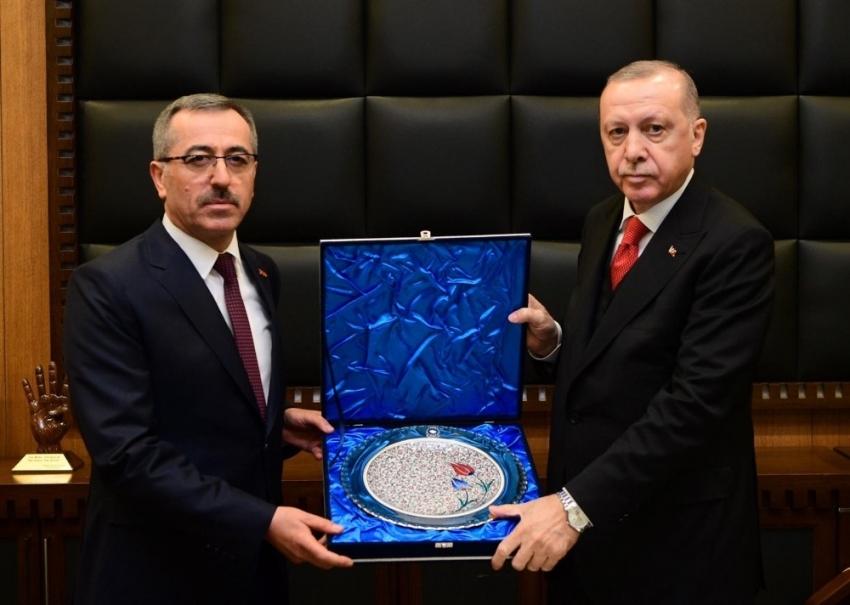 Erdoğan, Kahramanmaraş Büyükşehir Belediyesini ziyaret etti