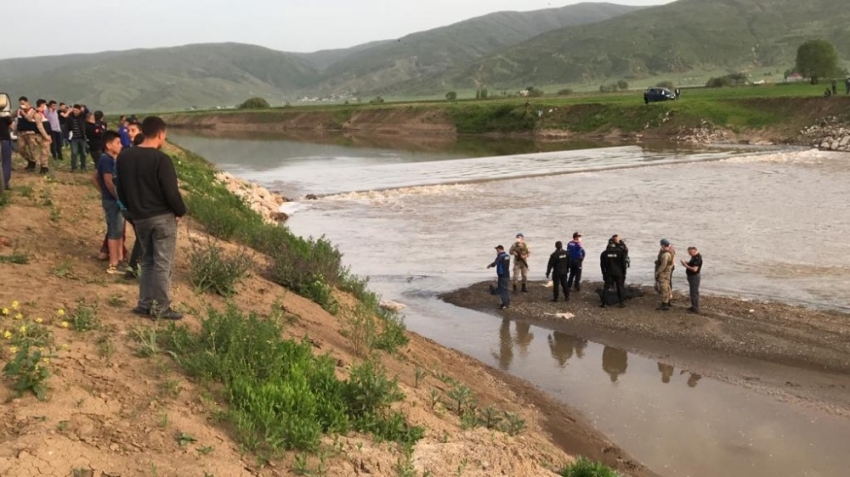 Karasu Nehri'nde kaybolan gencin cansız bedenine ulaşıldı