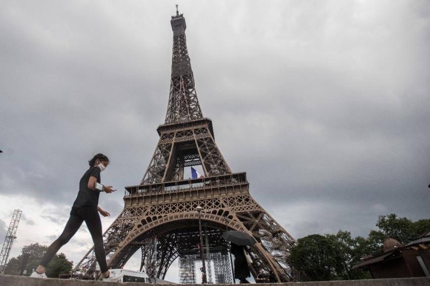 Fransa'da normalleşme süreci bugün başladı