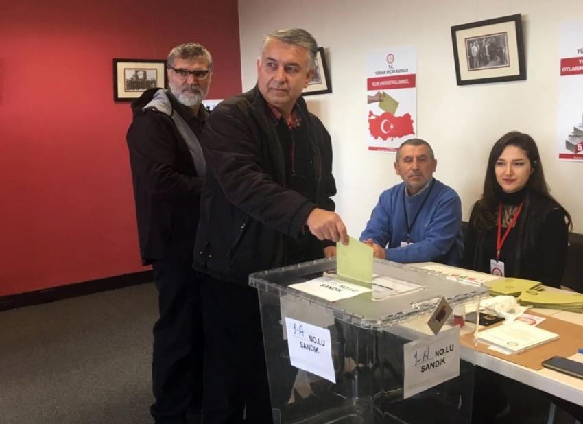 Avustralya'da oy verme işlemi başladı